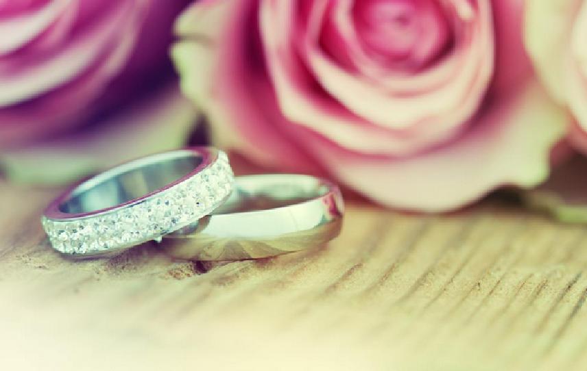 white-gold-ring